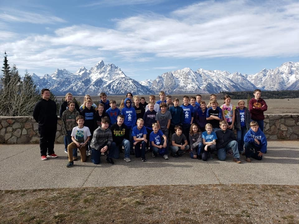 kids in front of Tetons