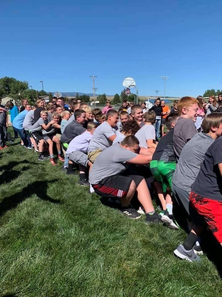 7th grade boys doing tug of war